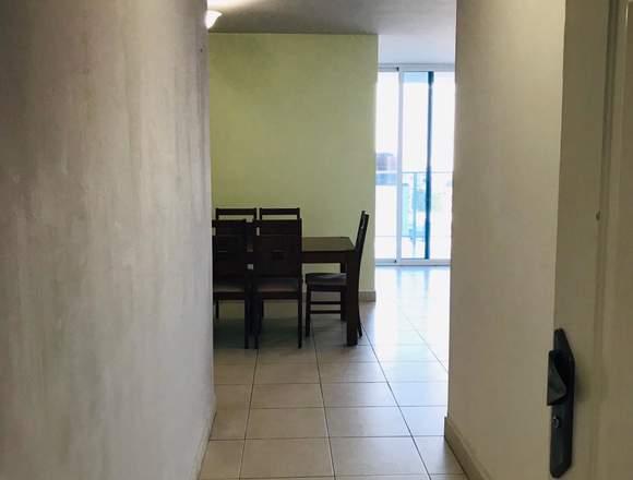 Alquilo apartamento semiamoblado