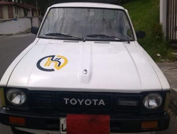 Toyota Stout del 80' cc 2000