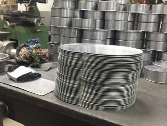 repulsado de metales en torno