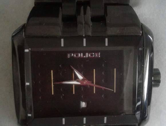 Reloj de marca Police