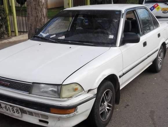 Toyota Corolla año 90 papeles al día $ 900000