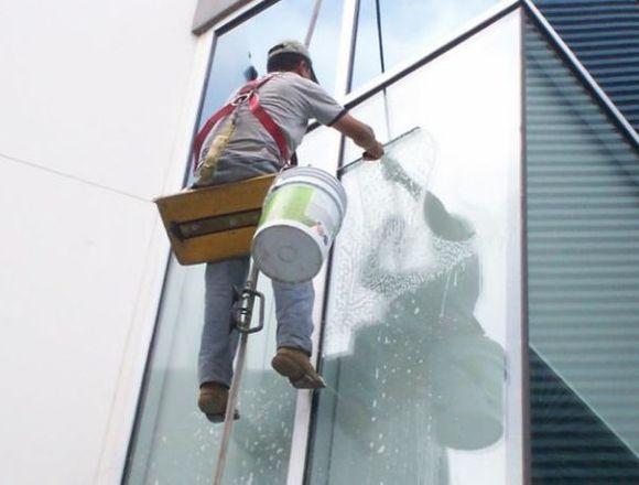 Sillas de descenso para trabajos verticales
