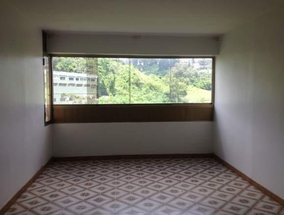 Apartamento desocupado original, listo mudarse