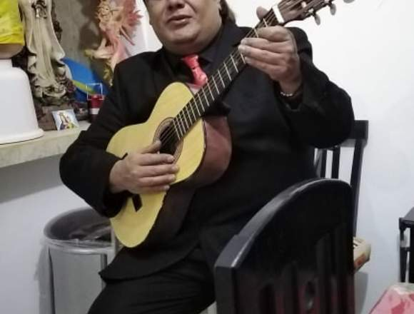 Cantante Bohemio con Pistas o con Guitarra
