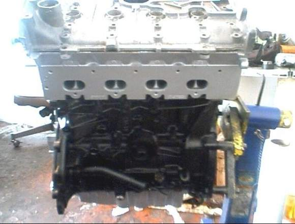 Medio Motor Renault Megane 2.0 Listo para enviar