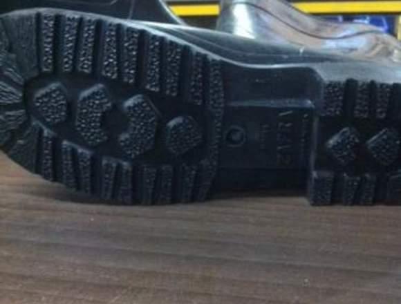 Bota de PVC , Caña Larga con puntera de seguridad