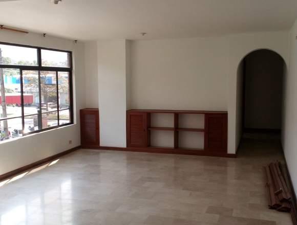 Se vende apartamento en el barrio los cambulos