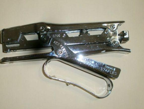 Engrapadora Acer. Poco uso