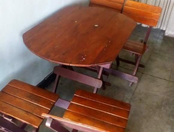 mesa con cuatro sillas plegable