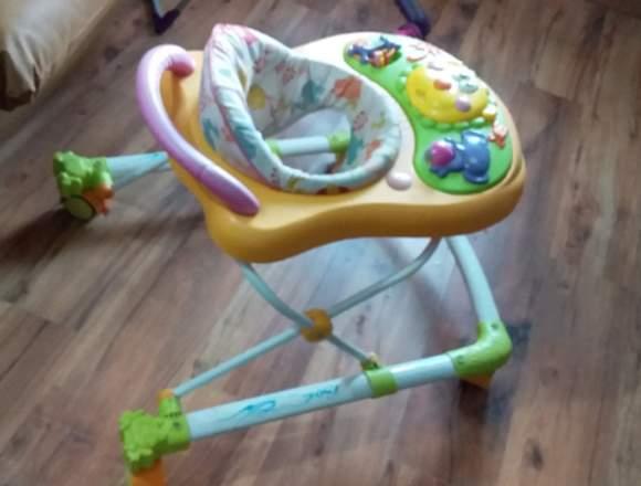 Andador de bebe, para nene o nena. Muy poco uso