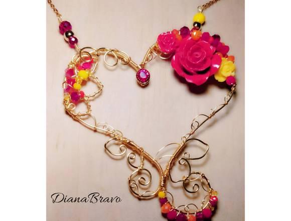 Collar Corazón de Rosas