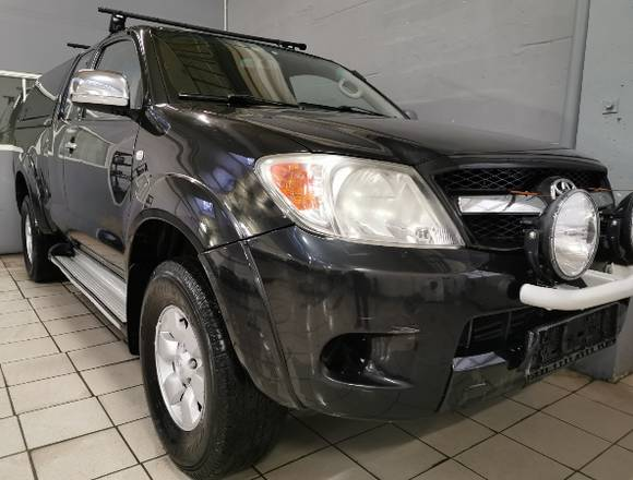 Toyota HiLux,2008 302000 km