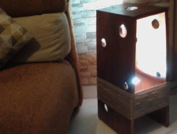 lampara de  pie madera de pino