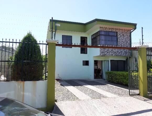 Se alquila casa en la Guácima Alajuela.