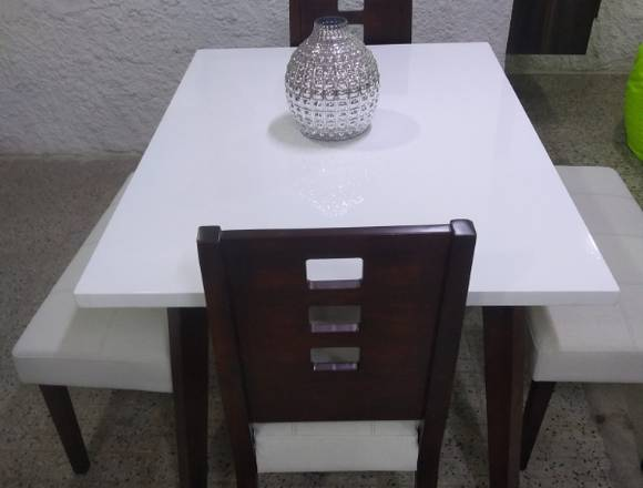 Comedor familiar moderno.