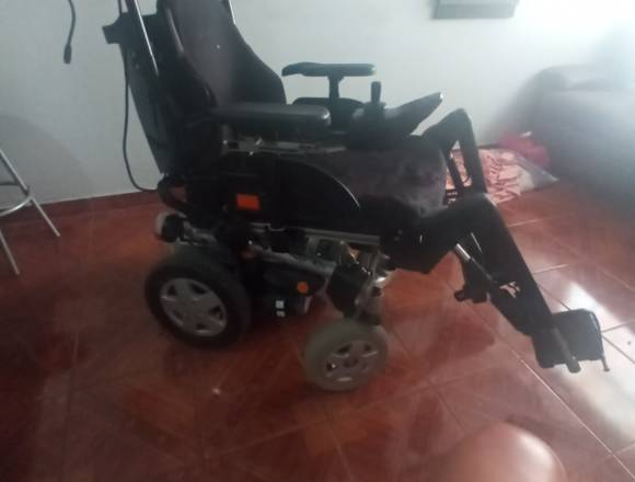Gran oferta vendo está silla ruedas