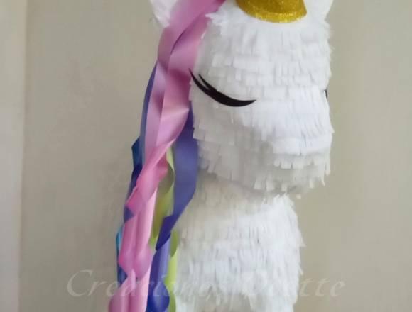 Piñatas y artículos personalizados