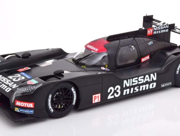 Nissan GT-R Nismo Test Le Mans 2015 - AUTOart 1/18