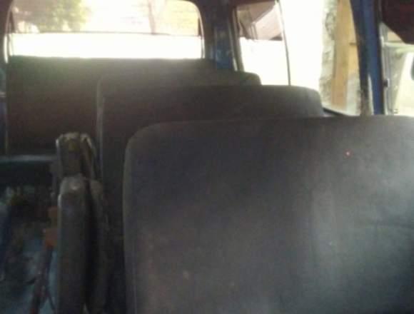 Vendo microbus Nissan urvan año 2007