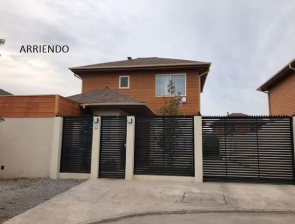 Hermosa casa en condominio Sol de Miraflores