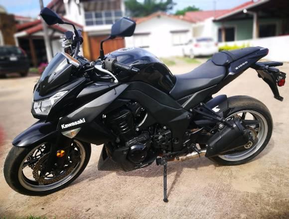 Hermosa Moto Kawasaki a la venta en 9600$