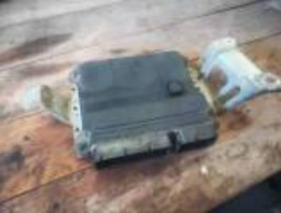 Vendo yaris 2007 automático por piezas