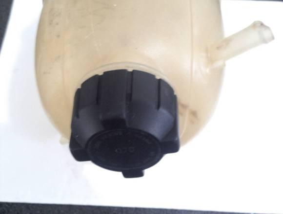 envase para agua renault logan