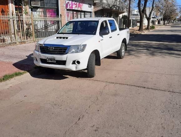 Toyota Hilux 2.5 dx 4x4 2013