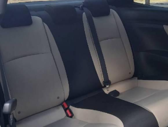Se vende exc. Honda Civic Coupe décima Generacion