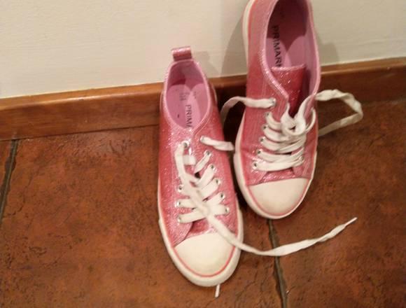 Variadas sapatilhas em excelente estado