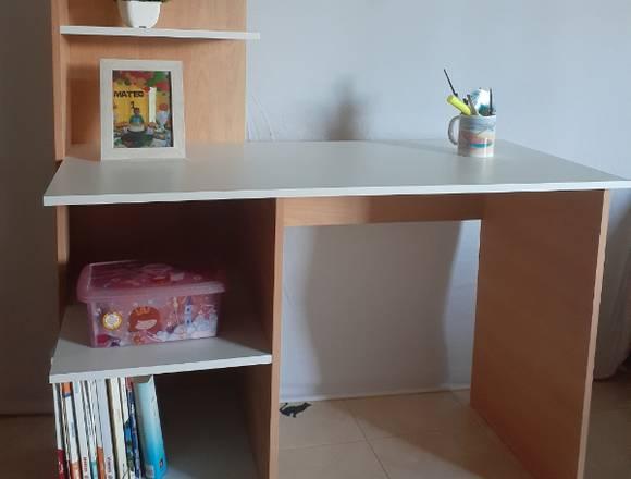 Se confeccionan escritorios