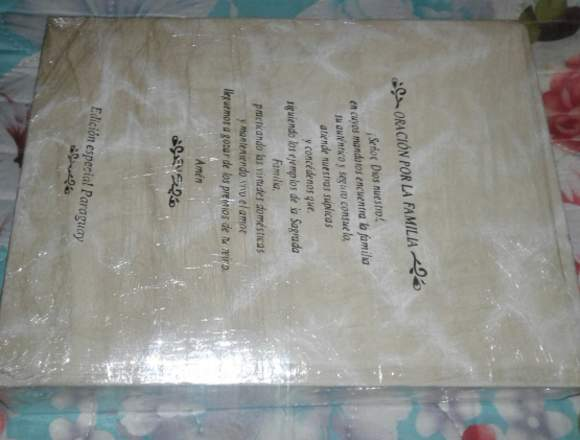 Vendo esta hermosa Biblia sin uso