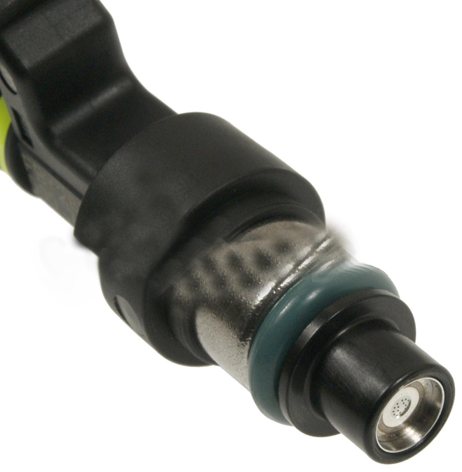 2008 nissan versa fuel injector