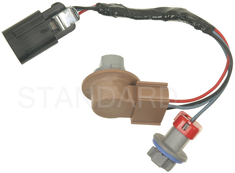 ... 2010 Chevrolet Traverse Tail Light Socket SI S-1471 ...
