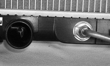 One New CSF Radiator 2942 MN156102 for Mitsubishi Lancer