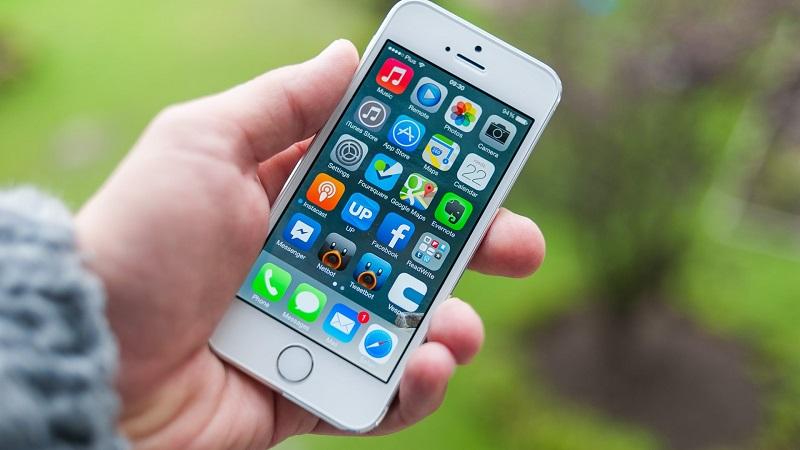 (4) iphone