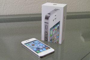 Perbandingan Bagus Mana HP Sasmung Galaxy J1 VS Apple iPhone 4S 3