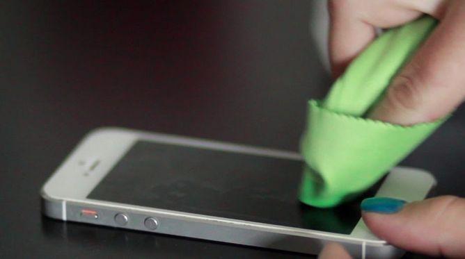 membersihkan-layar-sentuh-touchsecreen-Android