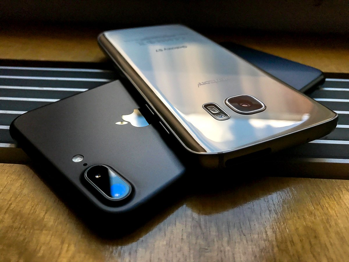 galaxy-s7-edge-vs-iphone-8