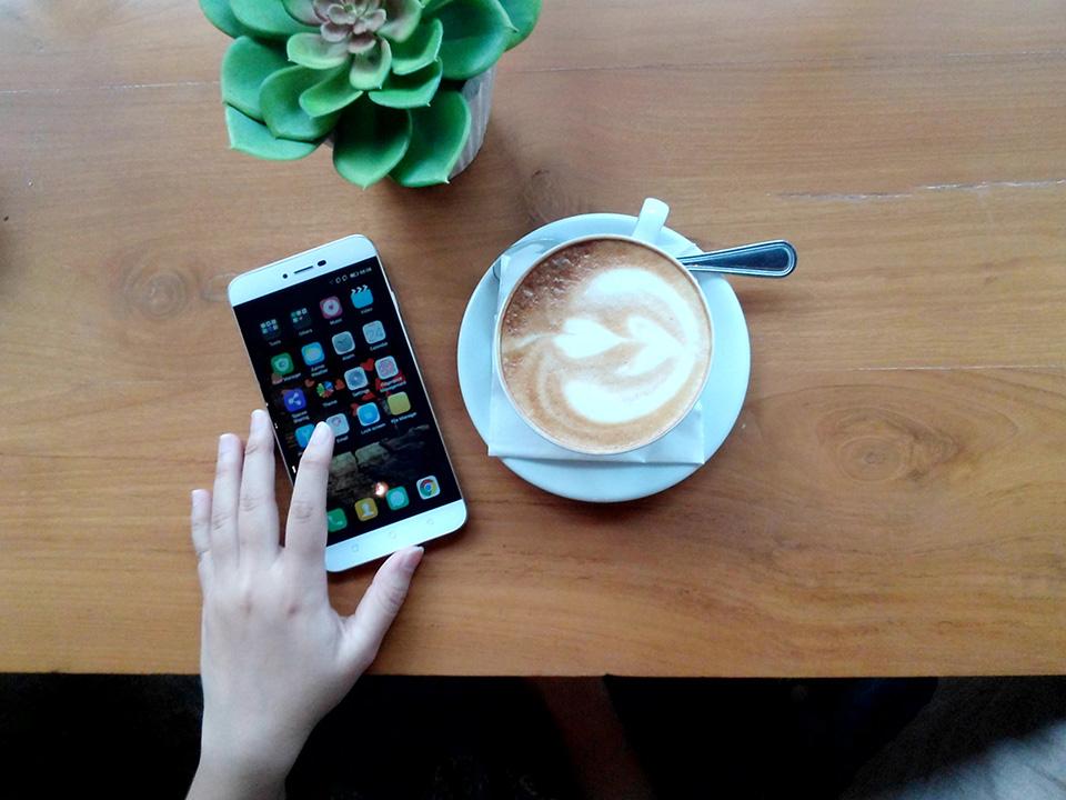 6-smartphone-ram-3gb-trong-tam-gia-5-trieu-dong-dang-mua-hien-nay_3