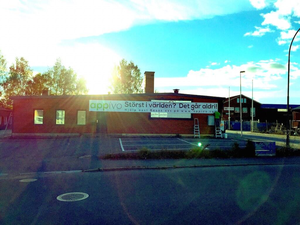 Appivo banner on the Örebro office.