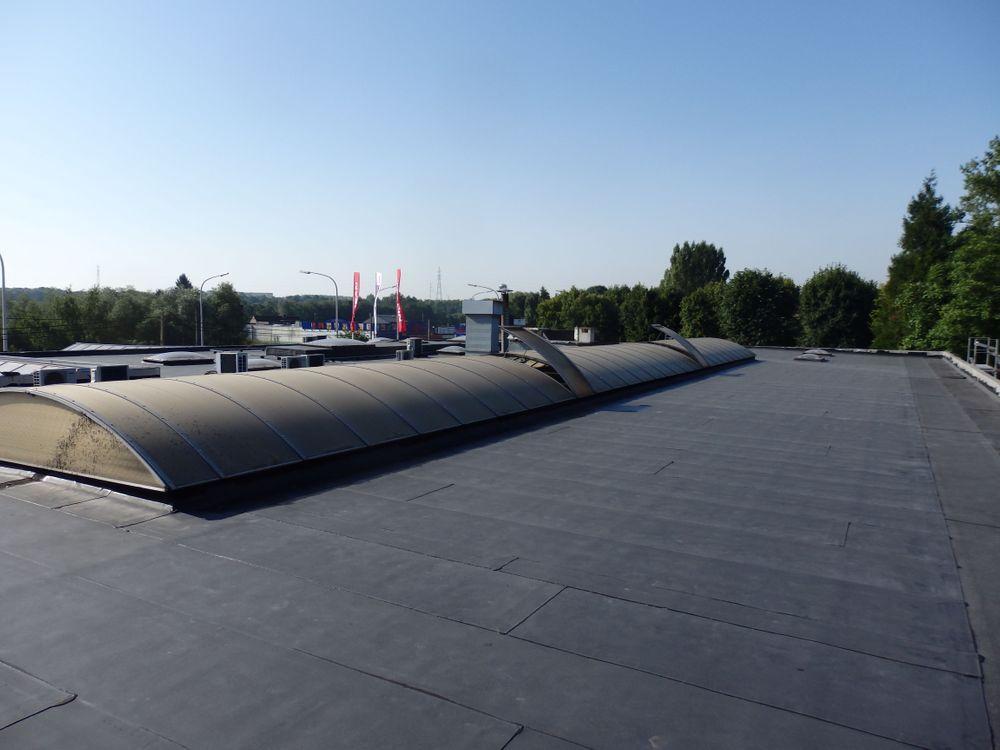 Grijs plat dak