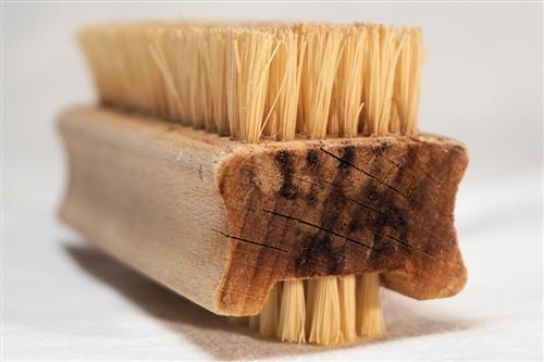 Brush for dry brushing