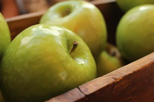 Apple for ageless skin holiday season