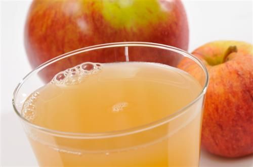 Apple juice to deeply nourish and even out skin