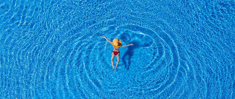 recuperar una piscina verde
