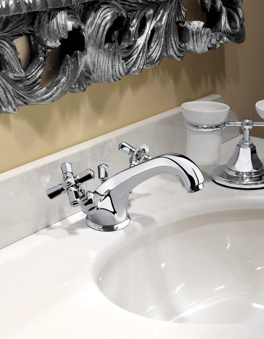 Sleek classic faucet available in more than 20 finishes