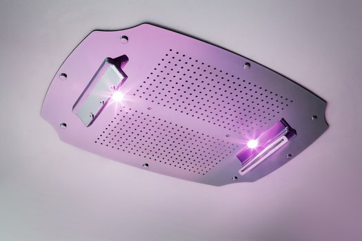 Build-in shower head with chromotherapy
