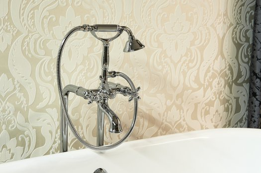 Charming bath & shower faucet for the outstanding bathroom