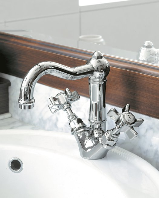 Elegant faucet for the country style bathroom